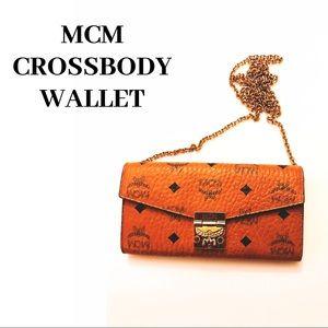 😍 MCM CROSSBODY WALLET 😍